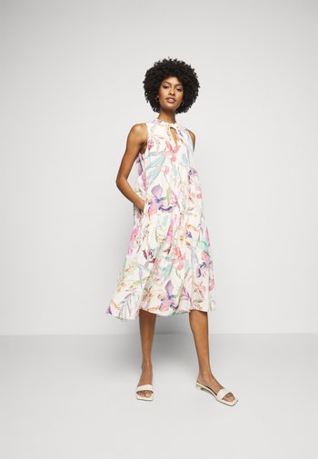 Day dress - cosmea