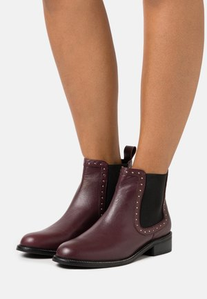 OTI STUD RAND CHELSEA BOOT - Classic ankle boots - oxblood