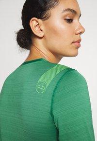 La Sportiva - DASH LONG SLEEVE - Sports shirt - grass green - 3