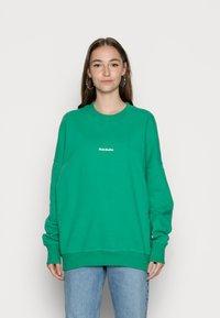 Nicki Studios - NEWCLASSICLOGOCREWNECK - Sweater - ferngreen - 0