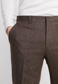 Shelby & Sons - BEMBRIDGE  - Pantalones - brown - 3