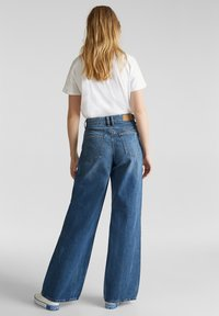 edc by Esprit - Flared Jeans - blue medium washed - 2