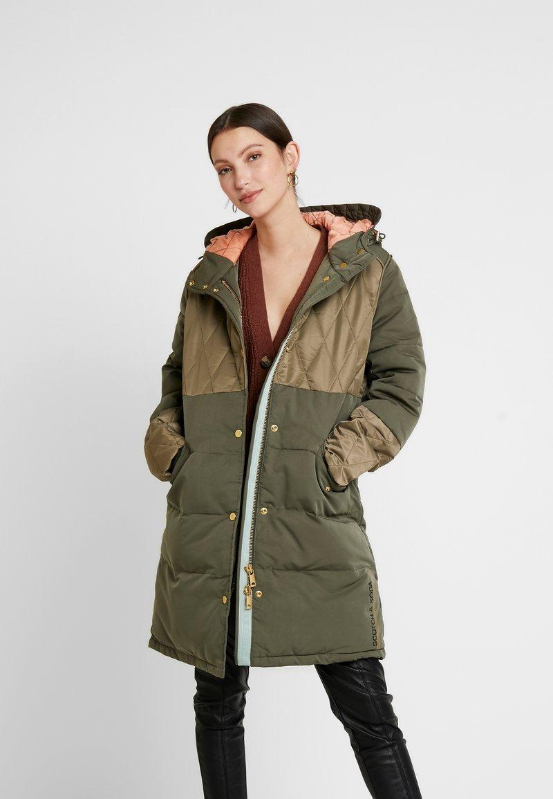 Scotch & Soda - MIXED FABRIC JACKET WITH QUILTING DETAILS - Zimní kabát - military