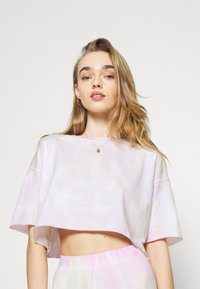 ONLY - ONLVERA TIE DYE SET - Print T-shirt - white - 5