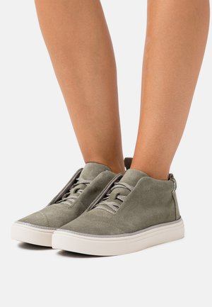 RILEY - High-top trainers - olive