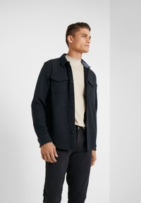Outerknown - DRIFTER - Slim fit jeans - pitch black - 3