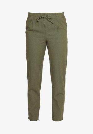 VMHELENMILO ANCLE PANT - Pantalones - kalamata