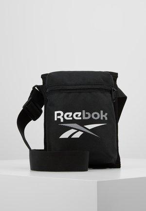 TECITY BAG - Sportstasker - black