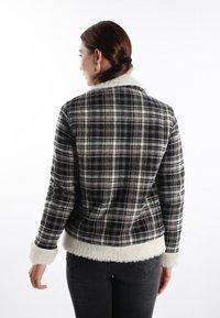Felix Hardy - Light jacket - black white - 1
