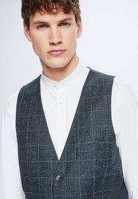 Strellson - GYL - Suit waistcoat - dunkelblau kariert - 3
