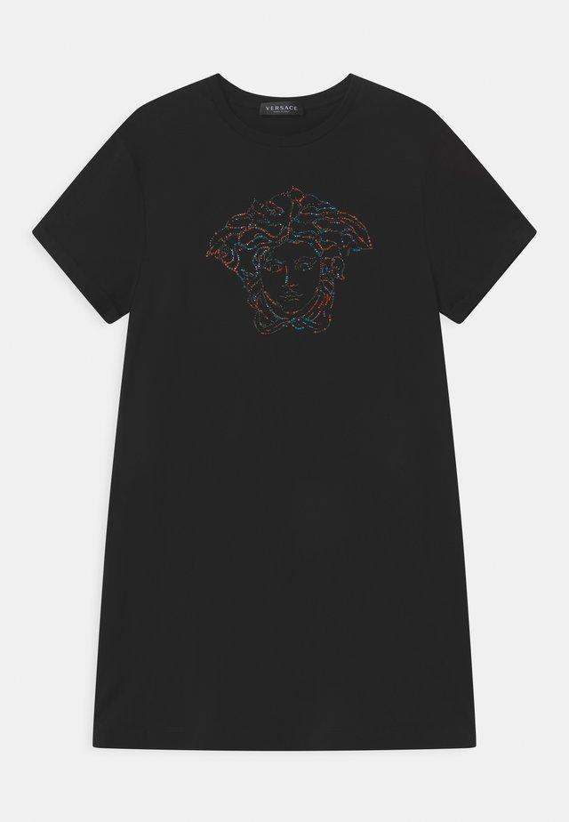 MEDUSA - Žerzejové šaty - black/multicolor