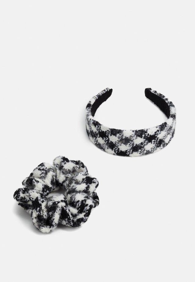 PCOLLO HAIR SET - Haaraccessoire - black/white