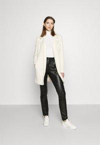 Vero Moda - VMVERODONA  - Short coat - birch/melange - 1