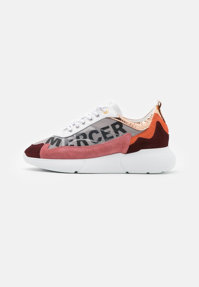 W3RD - Joggesko - white/orange/pink/burgundy