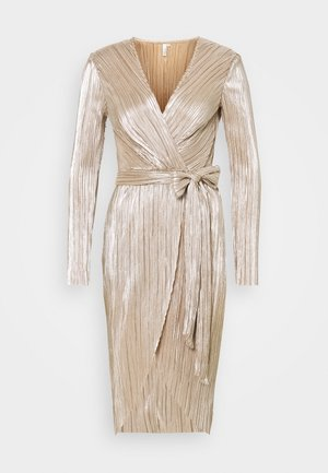 FINE PLEATED WRAP DRESS - Cocktail dress / Party dress - champagne