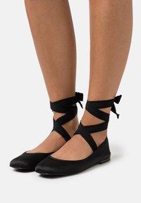 TWINSET - RASO GROS GRAIN - Ankle strap ballet pumps - nero - 0