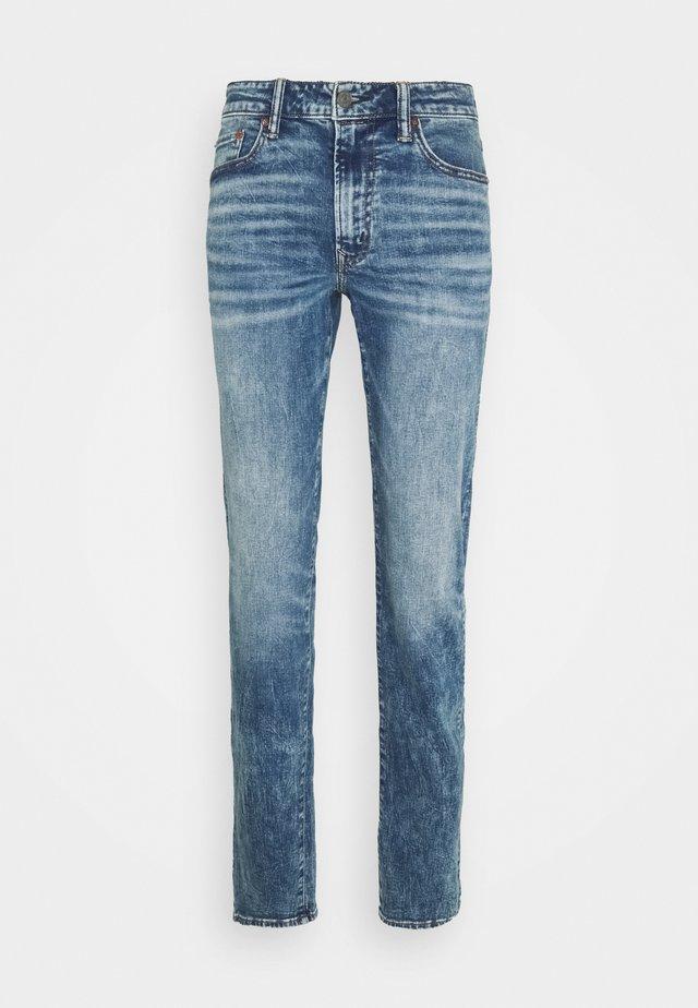 MEDIUM MENDED - Jeans slim fit - classic destruction