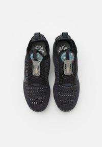 Nike Sportswear - AIR VAPORMAX 2020 FK UNISEX - Sneakersy niskie - black/dark grey - 5
