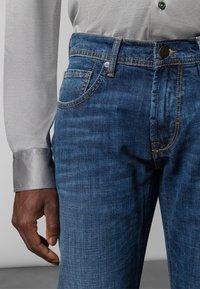Baldessarini - 5-POCKET JACK - Straight leg jeans - blue fashion - 3