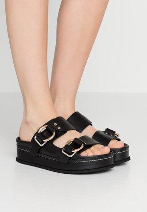 FREIDA PLATFORM DOUBLE BUCKLE SLIDE - Sandaler - black