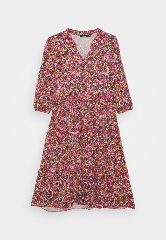 NLFKALISA LONG DRESS - Trikoomekko - azalea pink
