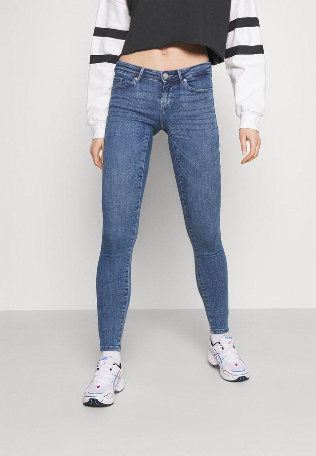 ONLCORAL LIFE POWER BOX - Jeans Skinny Fit - medium blue denim