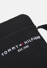 Tommy Hilfiger - ESTABLISHED MINI REPORTER UNISEX - Across body bag - black - 3