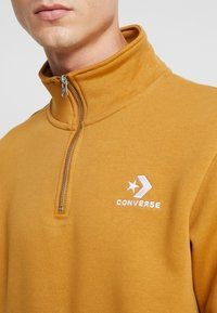 Converse - STAR CHEVRON HALF ZIP - Sweatshirt - wheat - 5