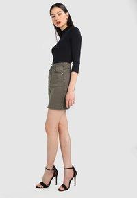 Missguided - SUPERSTRETCH SKIRT  - A-line skirt - khaki - 1