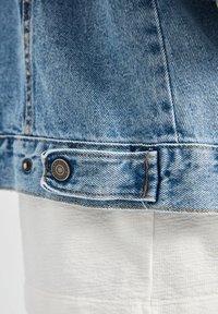 PULL&BEAR - Džínová bunda - blue - 5