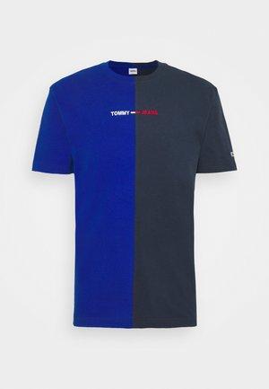 HALF N HALF LINEAR LOGO TEE UNISEX - Print T-shirt - cobalt/twilight navy
