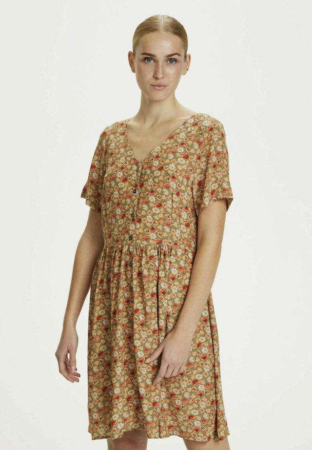 Sukienka letnia - floral meadow