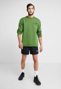 Puma - FUSION CREW - Sweatshirt - garden green - 1