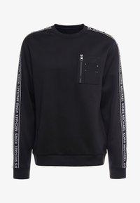 Michael Kors - MIXED MEDIA CHEST POCKET CREW NECK - Sweatshirt - black - 3