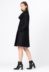 HALLHUBER - MANTEL WOLLMANTEL - Classic coat - schwarz - 2