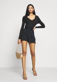 Missguided - NECK FRONT LONG SLEEVE BODYSUIT - Top s dlouhým rukávem - black - 1