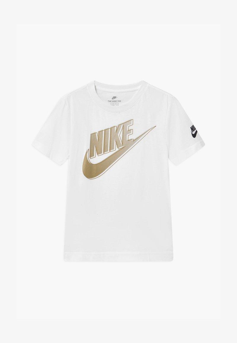 Nike Sportswear - CLUB FUTURA GRAPHIC TEE - Triko spotiskem - white