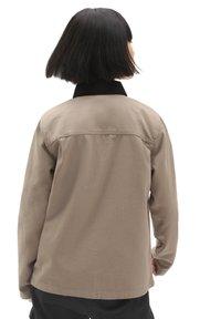Vans - DRILL CHORE  - Summer jacket - military khaki - 2