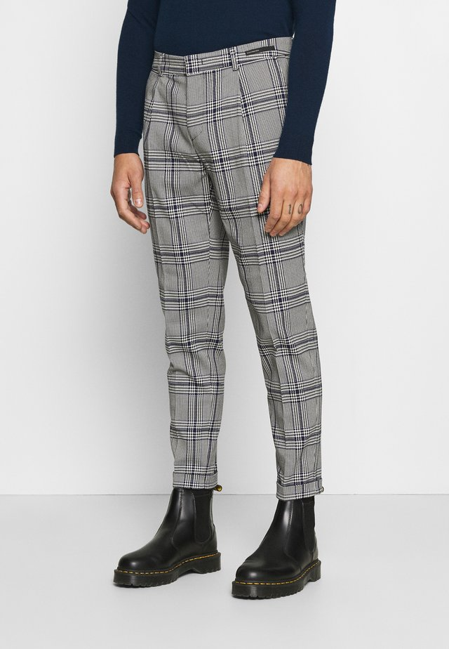 BLAKE CLASSIC PLEATED STRUCTURED - Stoffhose - combo