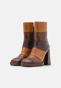 Chio - Kotníkové boty na platformě - brown/castana/tan sierra - 2