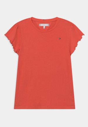 ESSENTIAL RUFFLE SLEEVE - Print T-shirt - daring scarlet