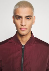 274 - BASEBALL JACKET - Giubbotto Bomber - burgundy - 5