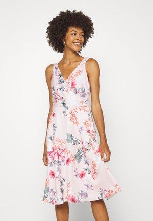 Korte jurk - light pink