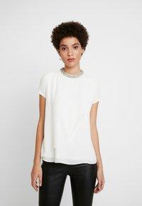 comma - KURZARM - Blouse - white - 0