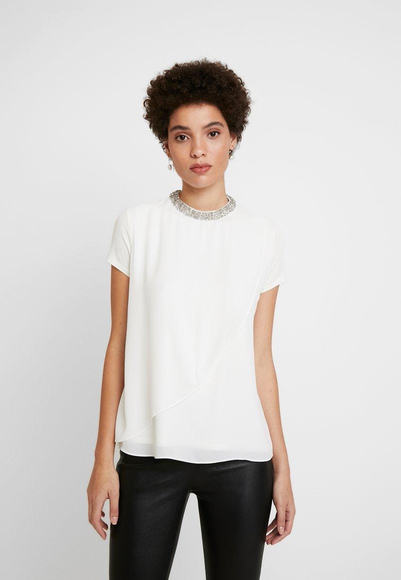 comma - KURZARM - Blouse - white