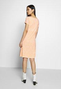 TOM TAILOR - DRESS - Jersey dress - coral - 2