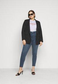 Glamorous Curve - LADIES - Jeans Skinny Fit - mid stonewash - 1