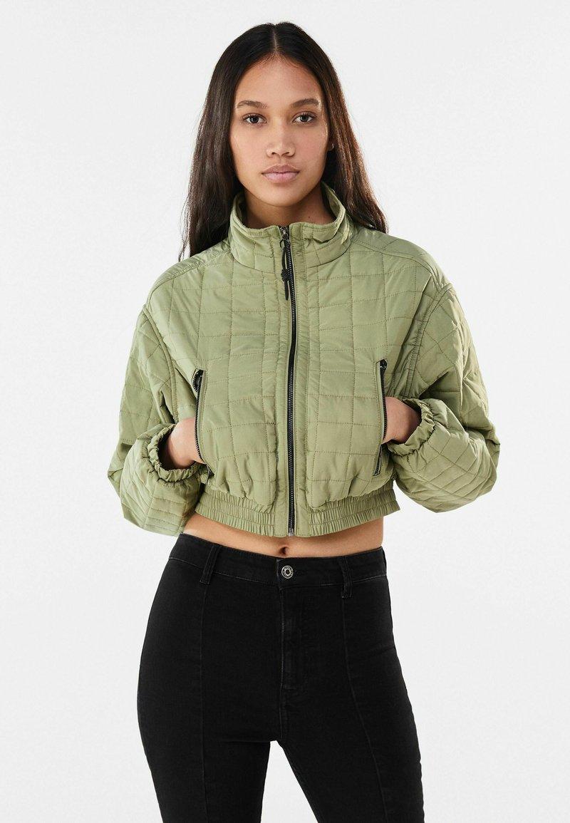 Bershka - Winter jacket - khaki