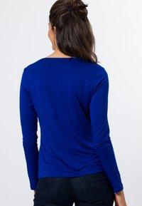 zero - MIT V-AUSSCHNITT - Blouse - true blue - 2