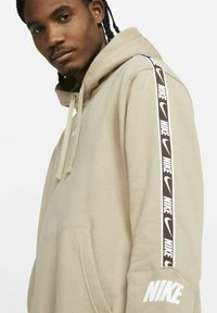 Nike Sportswear - HOODIE  - Luvtröja - khaki - 3